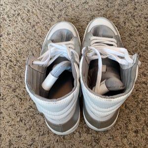 Used just cavali sneakers